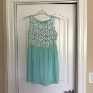 Sleeveless mint with lace dress, size Large